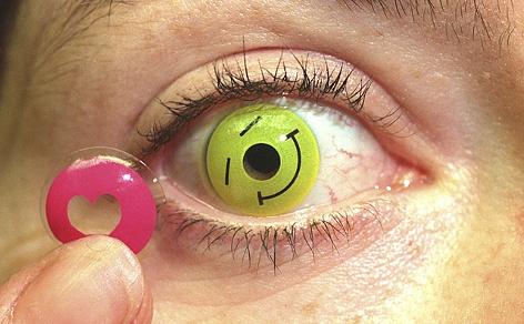 Kontaktlinsen mit Farbmotiven