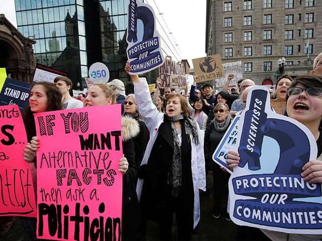 Wissenschaftler-Proteste gegen Trump am 19.2.2017 in Boston