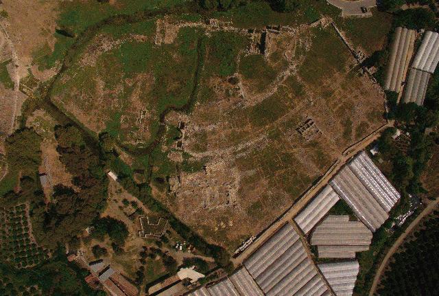 Drohnen liefern 827 Fotos von Limyra, aus denen mithilfe einer Software ein entzerrtes Bild generiert wird