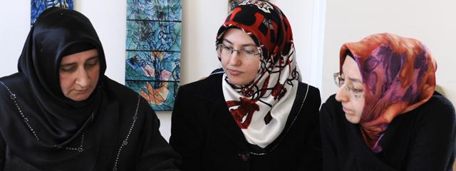 Musliminnen mit Kopftuch