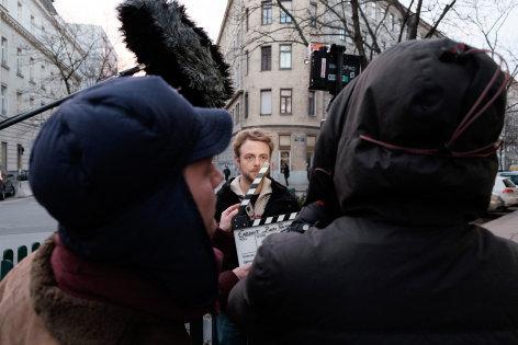 "Pixel, Bytes & Film - Artist in Residence  Anna & Jan Groos: ENDZEIT - TV Special ""Zoon Politikon"""