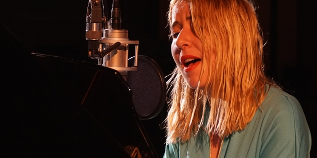 Austra bei einer FM4 Acoustic Session