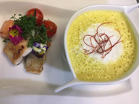 Kochtipp Safran Fischsuppe mit dreierlei Fischen