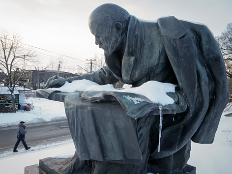 Lenin-Statue nahe St. Petersburg, Russland
