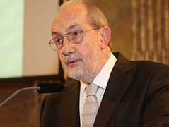 Jorge Canestri bei seinem Vortrag an der ÖAW