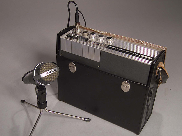 Tonbandaufnahmegerät Uher 4200