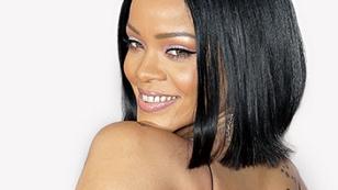Rihanna blickt über ihre Schulter