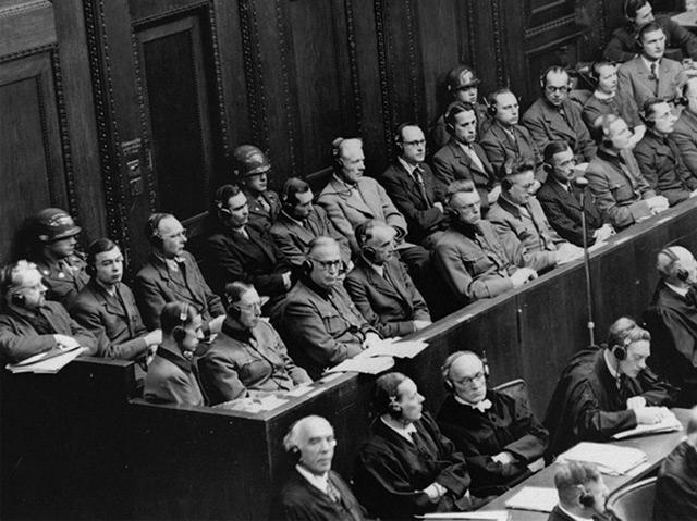 Angeklagte und Verteidiger im Nürnberger Ärzteprozess 1947