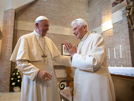 Papst Franziskus und Benedikt XVI. am 19. November 2016 im Vatikan
