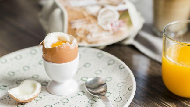weiches Ei, Glas Orangensaft