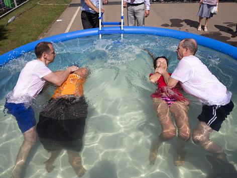 Taufzeremonie von Jehovas Zeugen in Minsk, Belarus