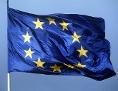 Eine EU-Flagge flattert im Wind