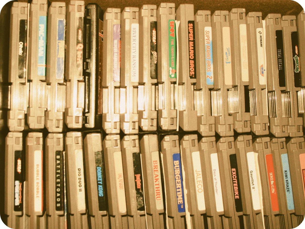 Ein Stapel an Nintendo-Steckmodulen