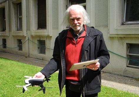 Paul Srna mit Quadcopter