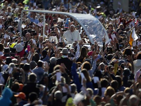 Papst Menschenmassen