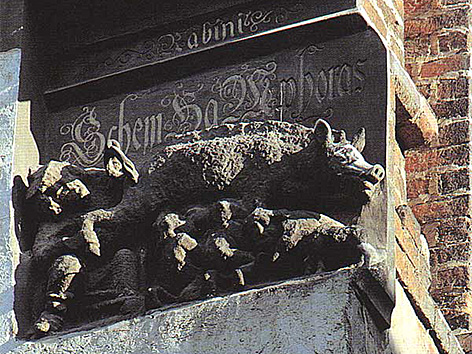 """Das antisemitische Steinrelief (""""Judensau"""") auf der Stadtkirche Wittenberg (St. Marien)"""