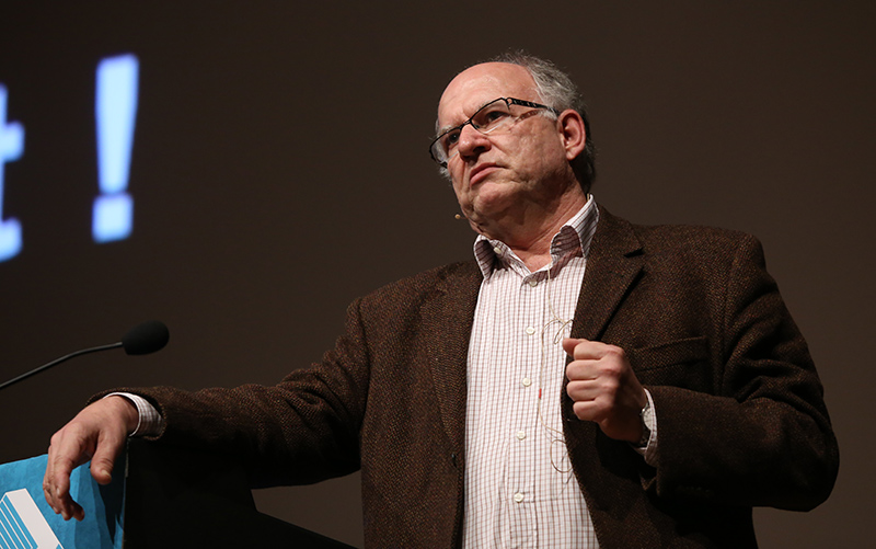 Peter Schaar bei einem Vortrag