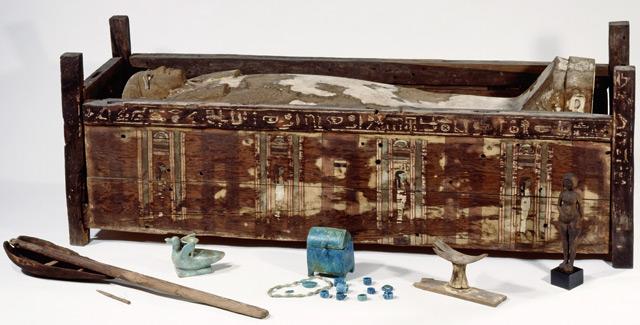 Sarkophag der der Tadja aus  Abusir el-Meleq