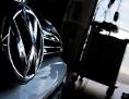 Ein VW-Fahrzeug beim Softwareupdate
