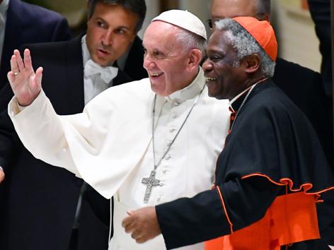 Papst Franziskus und Peter Turkson