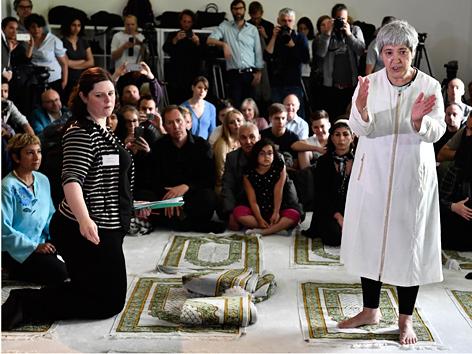 Seyran Ates in der Berliner Ibn-Rushd-Goethe-Moschee