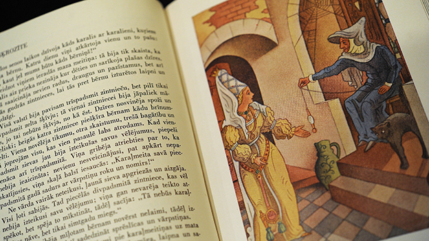 Altes original Grimm Märchenbuch bei einer Ausstellung in Kassel