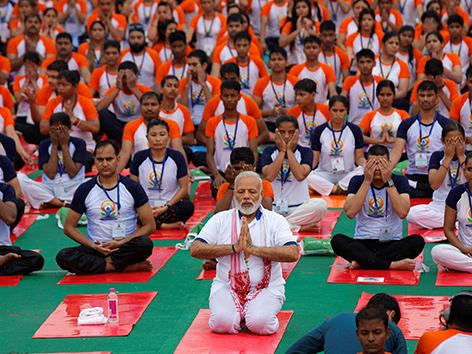 Indiens Premierminister Narendra Modi beim Yoga am Welt-Yoga-Tag