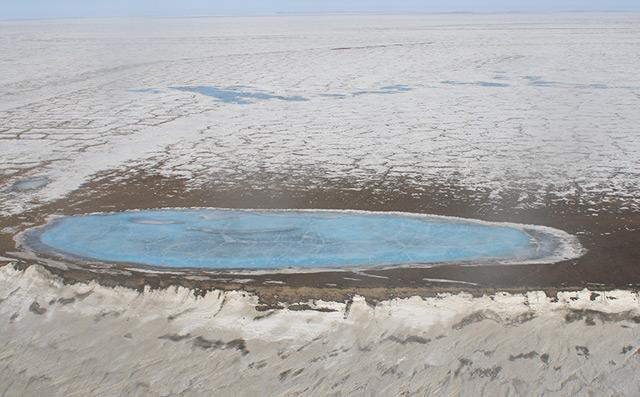 Der Schein trügt: Trotz Eisdecke werden die Seen wärmer