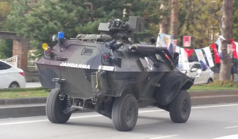 Im kurdischen Gebiet: Panzerfahrzeug