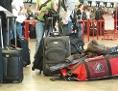 Verschiedene Koffer am Flughafen