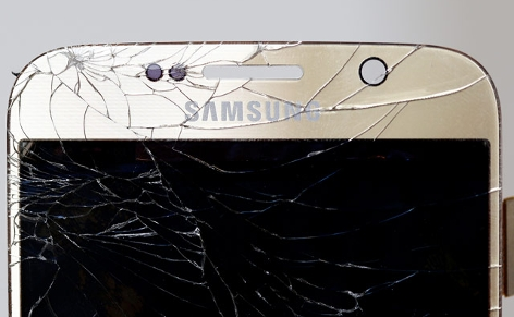 Zerstörtes Smartphone