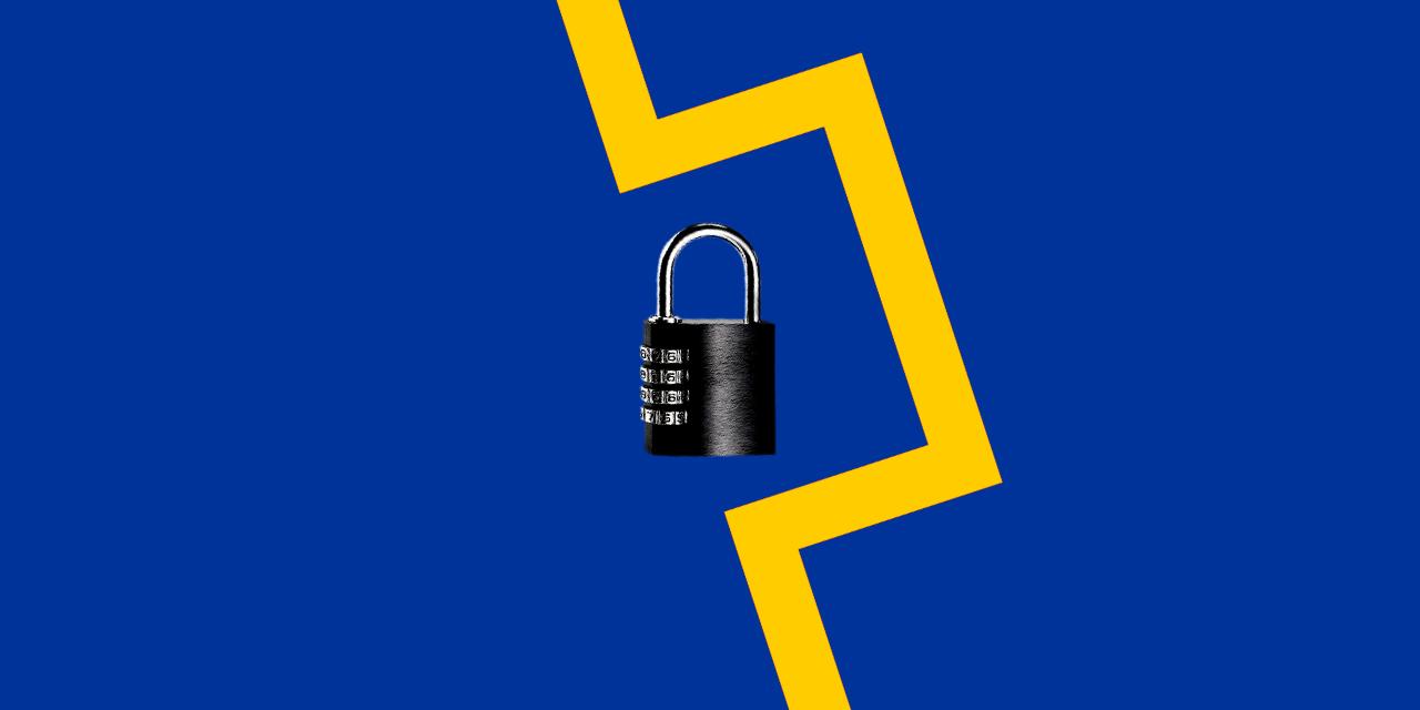 Umgehung eines Vorhängeschlosses in den Farben der EU-Flagge