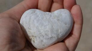 Geschenk schenken, Herz in der Hand