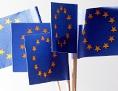 EU-Fahnen auf Holzspießchen