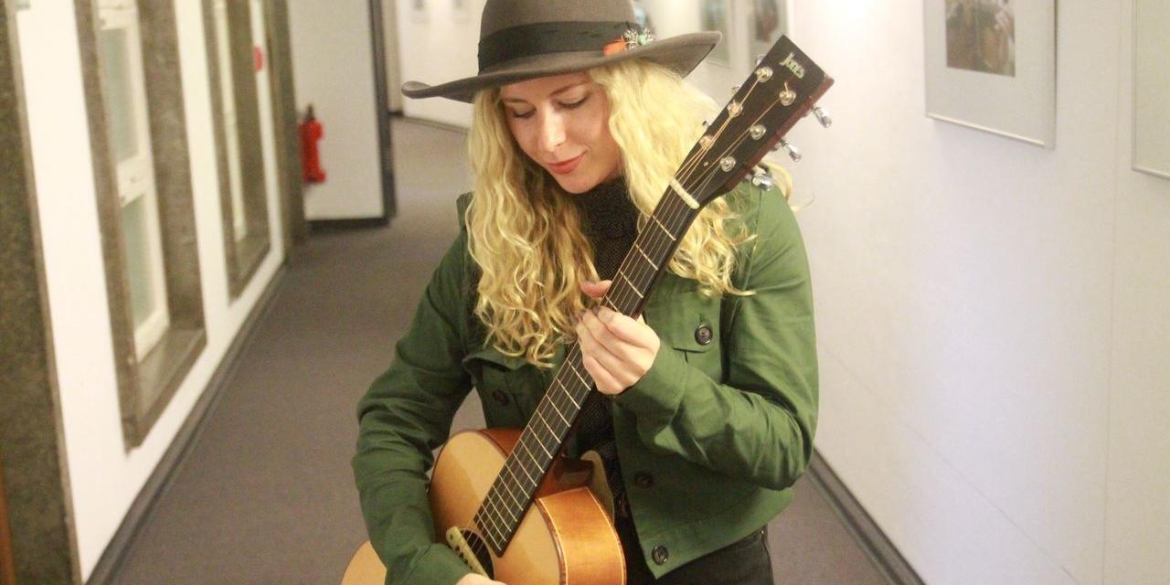 Holly Macve und Nu Country