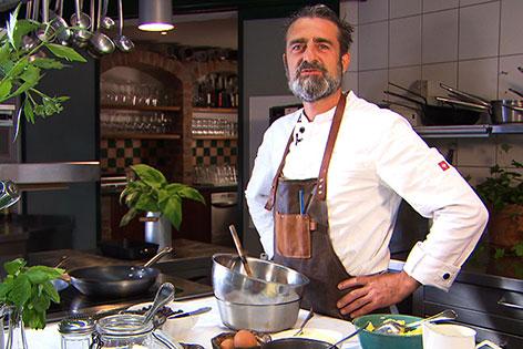 Hermann Wieser in der Küche
