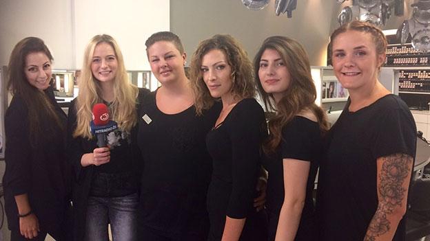 Tina Ritschl mit den Mädels von Bundy&Bundy