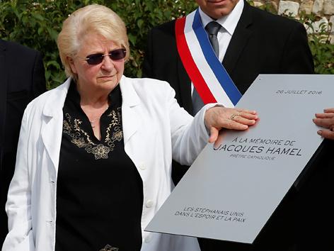 Jacques Hamels Schwester Roselyne bei der Trauerfeier