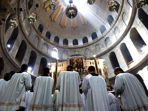 Römisch-katholischer Gottesdienst in der Grabeskirche in Jerusalem