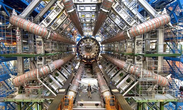 Riesiger Detektor am Kernforschungszentrum CERN