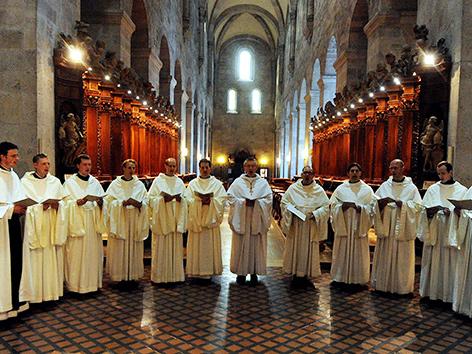 Mönche im Stift Heiligenkreuz