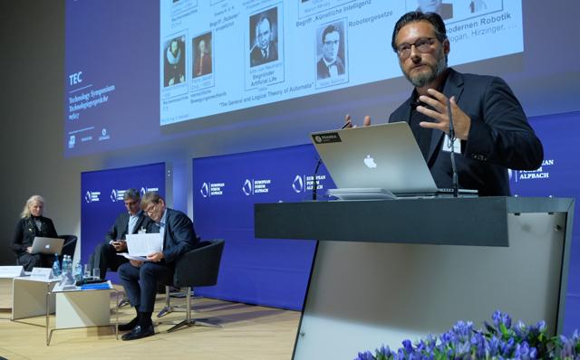 Sami Haddadin bei den Alpbacher Technologiegesprächen
