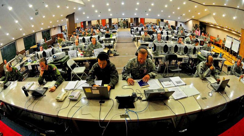 Amerikanisches Militärpersonal und Ausrüstung