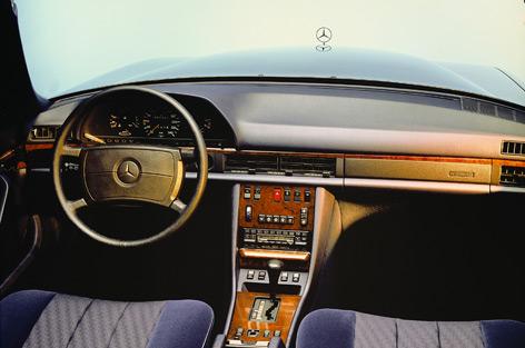 Erstes Mercedes-Modell mit Airbag von innen