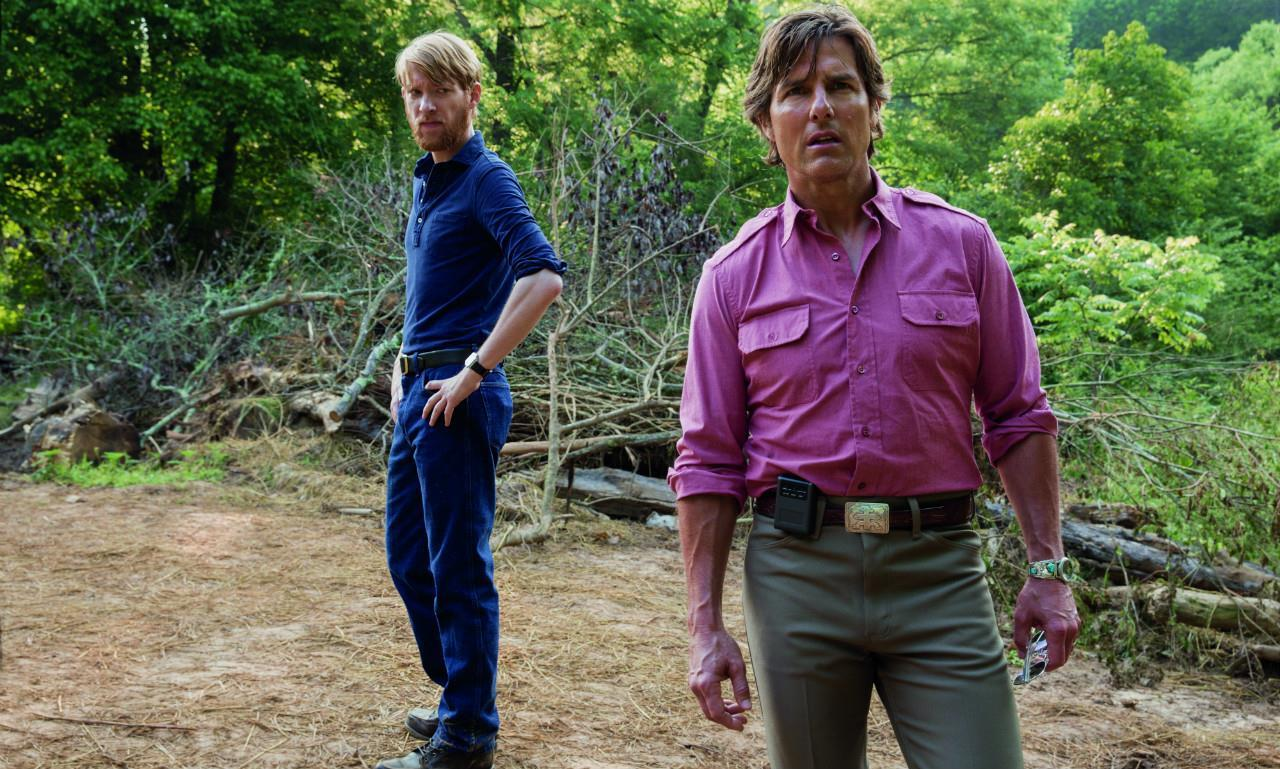"Tom Cruise und Domhnall Gleeson in ""American Made"""
