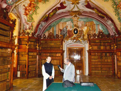 Stift Heiligenkreuz Goldener Saal Bibliothek Frater Alberich Wolfgang Slapansky
