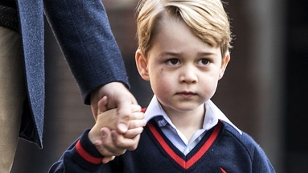 Prinz George auf dem Weg in die Schule