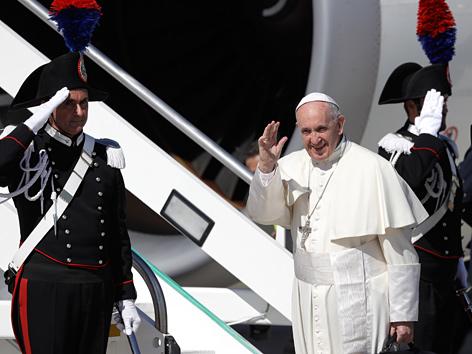 Papst Franziskus startet seinen Kolumbien-Besuch