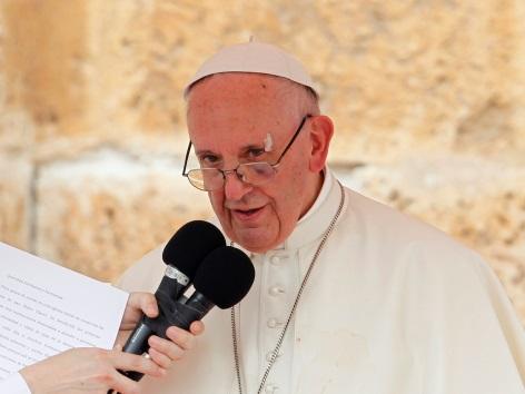 Papst Angelusgebet Kolumbien mit Pflaster