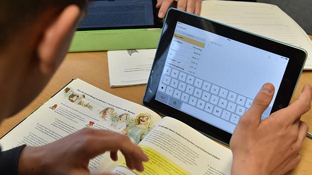 """""""Digitale Grundbildung"""" startet in Schulen"""